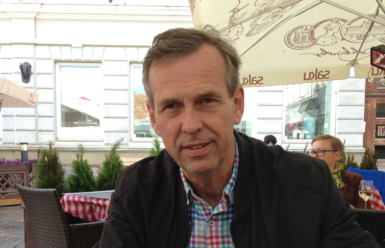 Hans Lindström, Tilgmann
